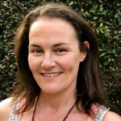 LYNNE STAPLETON (Sarasananda)
